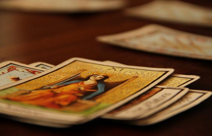 Voyant gratuit en ligne interprétation immédiate du tarot