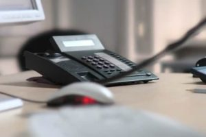 Voyant par téléphone dans le domaine du travail